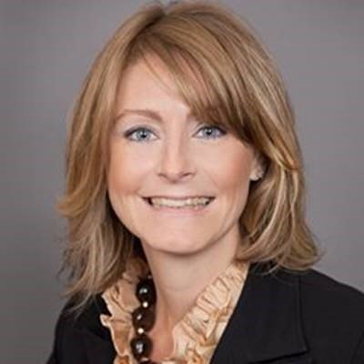 Jennifer Braid Headshot